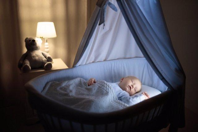 Bebés: dormir sin luz