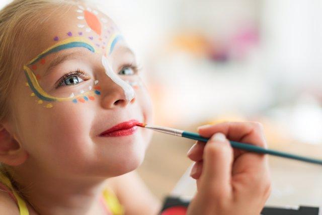 Maquillaje y máscaras para los disfraces caseros en Carnaval