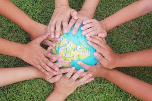 Cómo enseñar solidaridad a los niños