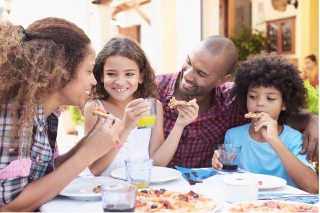 Consejos para salir a comer con niños celiacos