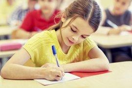 Escribir a mano: beneficios de la caligrafía frente al teclado