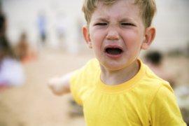 Rabietas, ¿qué quieren decirnos los niños con ellas y cómo reaccionar?