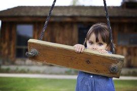Cómo ayudar a que un niño introvertido haga amigos