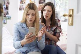 La falta de educación digital en los padres dificulta la detección del ciberbullying