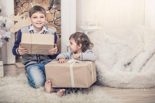 Enseña a tus hijos a valorar los regalos de Navidad