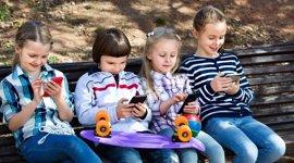 A qué juegan en el móvil nuestros nativos digitales