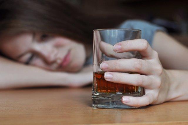 La respuesta de muchos adolescentes al acoso es el alcohol