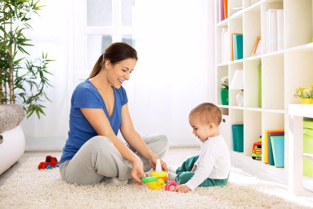 Aprende a estimular a tu bebé en tu propia casa