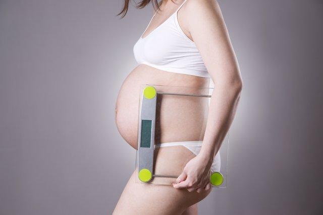El peso de la embarazada es uno de los asuntos a tener en cuenta.