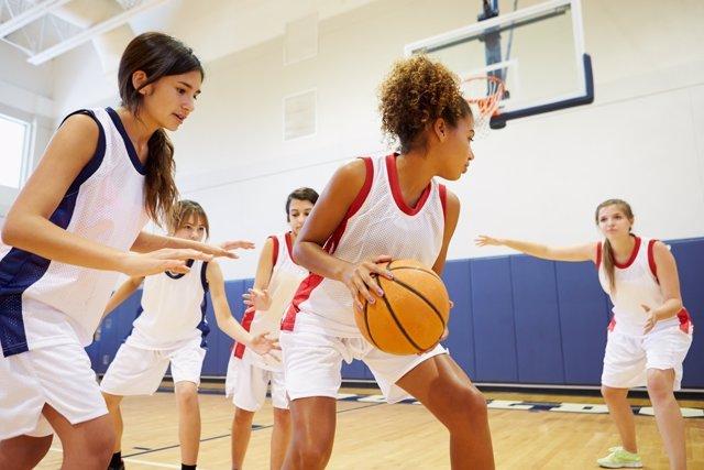 Deporte femenino: descenso en la adolescencia