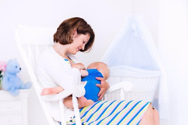 A los 3 meses, pueden aparecer baches en la lactancia.