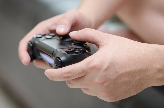 Un estudio relaciona la pérdida de materia gris con el uso de videojuegos