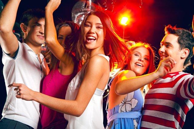 Cómo afrontar en casa el ocio nocturno de los adolescentes