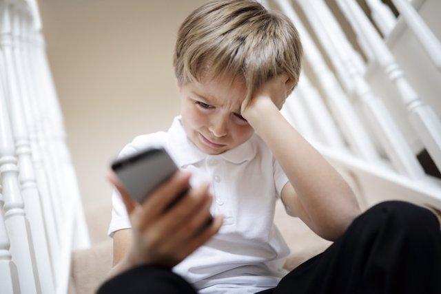 Las nuevas tecnologías abren una puerta al acoso en los más jóvenes.