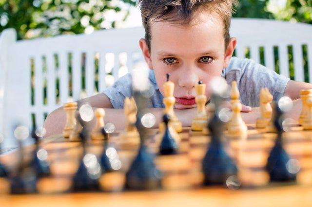 Definir la lateralidad del cerebro de los niños