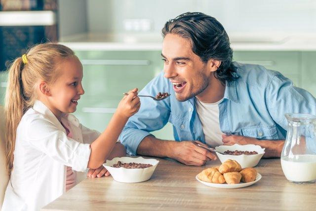 Un buen desayuno asegura una buena salud futura.