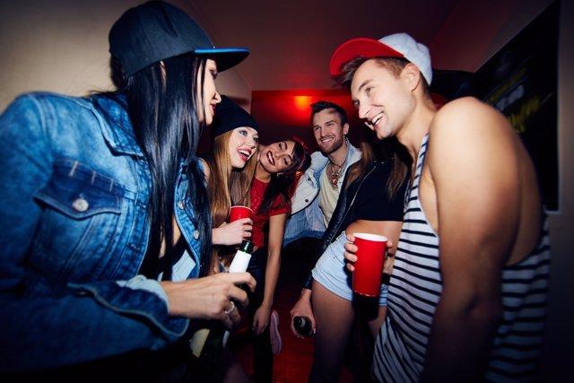 Dedicarse a la fiesta en la universidad puede tener consecuencias en el futuro.