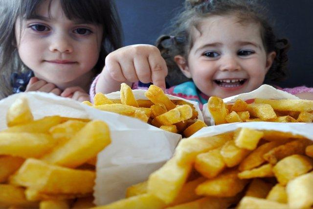 El número de casos de obesidad infantil crece en el mundo.