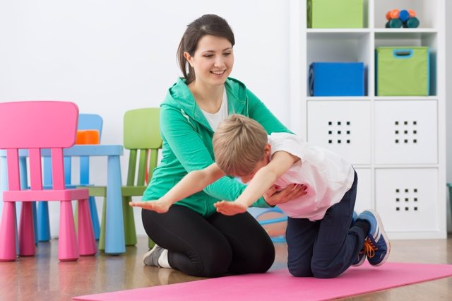 La fisioterapia pediátrica puede evitar males mayores en los niños