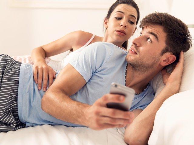 Así han cambiado los smartphones las relaciones de pareja