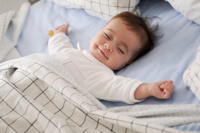 Cómo enseñar a dormir a los bebés con estas técnicas.