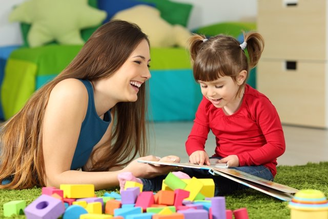 La risa puede ser una mejor arma para educar que la seriedad