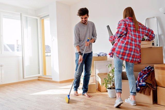 Hacer limpieza puede afectar a tus articulaciones