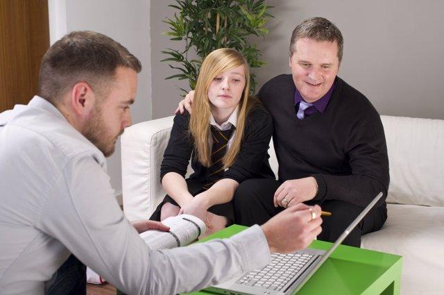 Las nuevas tecnologías favorecen la comunicación entre padres y profesores.