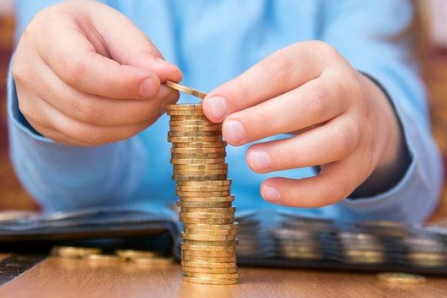 Los niños españoles reciben una media de 7,50 euros de paga a la semana.