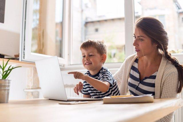 Qué aprende tu hijo delante de un ordenador