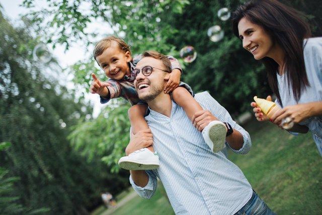 Los padres no deben olvidar que son ellos quienes tienen la autoridad en casa.