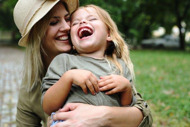 Por qué no debes decir a tu hija que es guapa