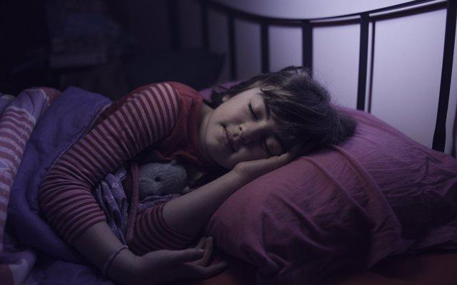Somniloquios, ¿por qué los niños hablan en sueños?