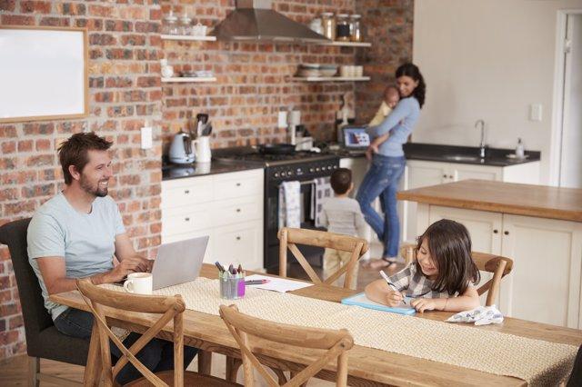 Las reglas en casa deben ser claras y enfocarse a remediar malos comportamientos