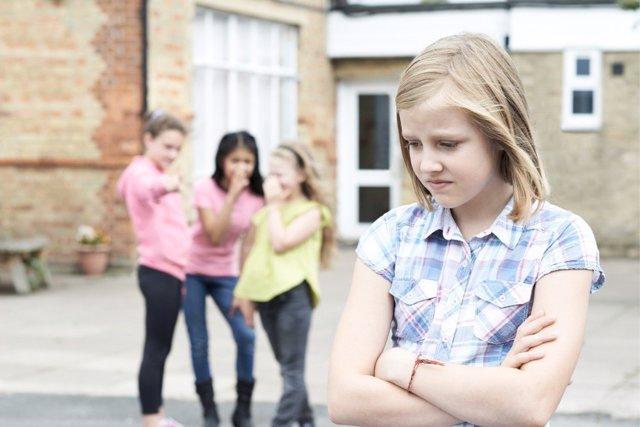 Sabe the Children sugiere crear una nueva ley para acabar con el acoso escolar.