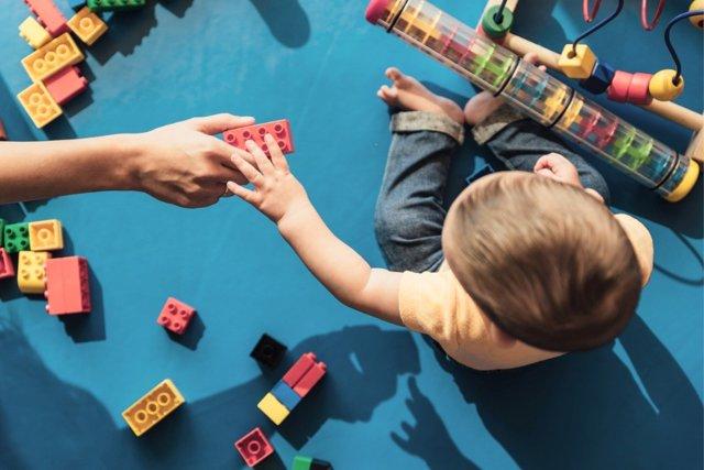 Jugar con los hijos es siempre una buena idea.