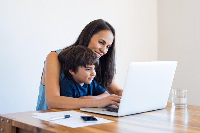 Consejos de los pediatras para un buen uso de las nuevas tecnologías.