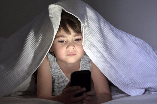 El insomnio tecnlógico puede alterar la vida de cualqueir persona.