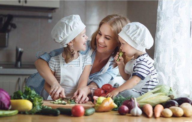 Enseña nutrición enseñando nutrición a los niños