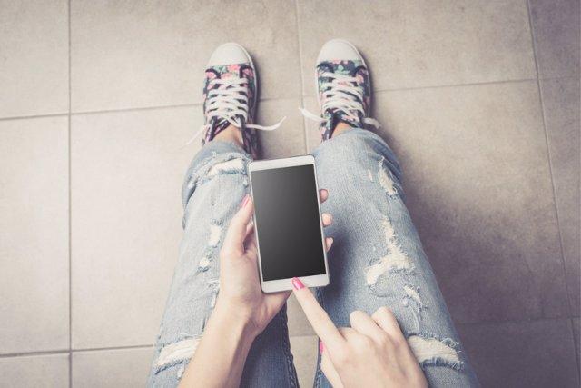 La educación digital también debe impartirse entre adolescentes.