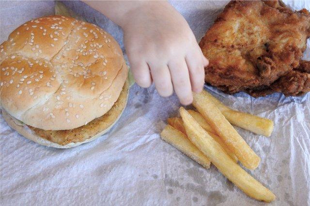 La media de menores obesos en España creció en 2017.