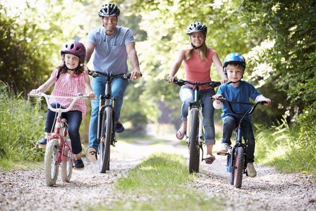Muchas son las actividades que se pueden hacer en familia en verano.
