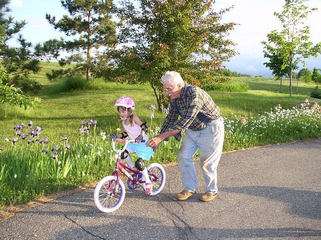Cómo prevenir el estrés en familias multigeneracionales.