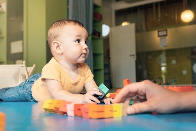 La falta de conciliación hace crecer el número de bebés en guarderías.