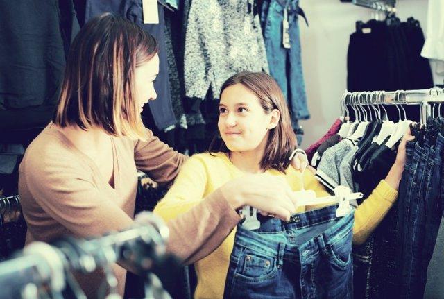 Los influencers determinan las compras de los jóvenes.
