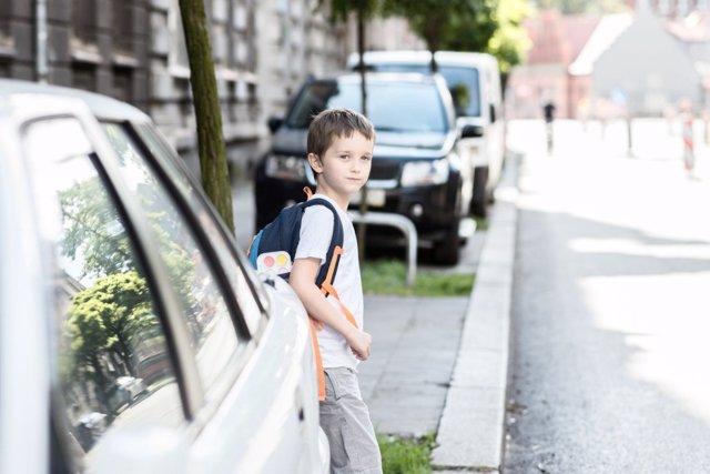 Cómo llevar a tus hijos seguros en coche al colegio