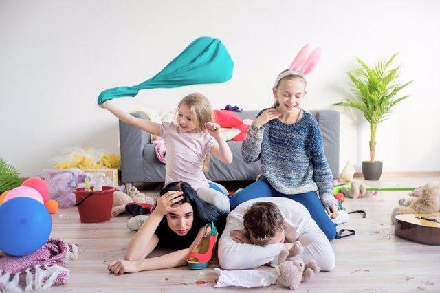 2.000 Padres Desvelan Lo Que Más Les Estresa En Casa.