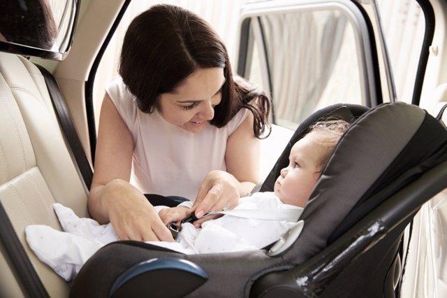 Las sillitas a contramarcha como método contra los accidentes infantiles.