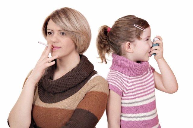 Los niños en hogares con humo sufren serias consecuencias.
