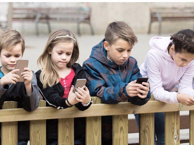 El uso de las nuevas tecnologías en jóvenes tiene serias consecuencias.